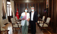 LGS'de Türkiye 1.'leri arasına giren Muazzez Göksu Özer'i tebrik etti